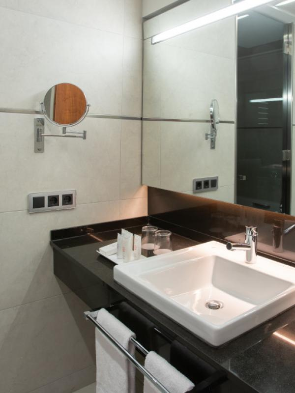 Superior Room, Bathroom